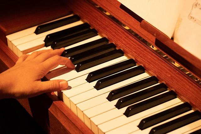 Piano spelen op school