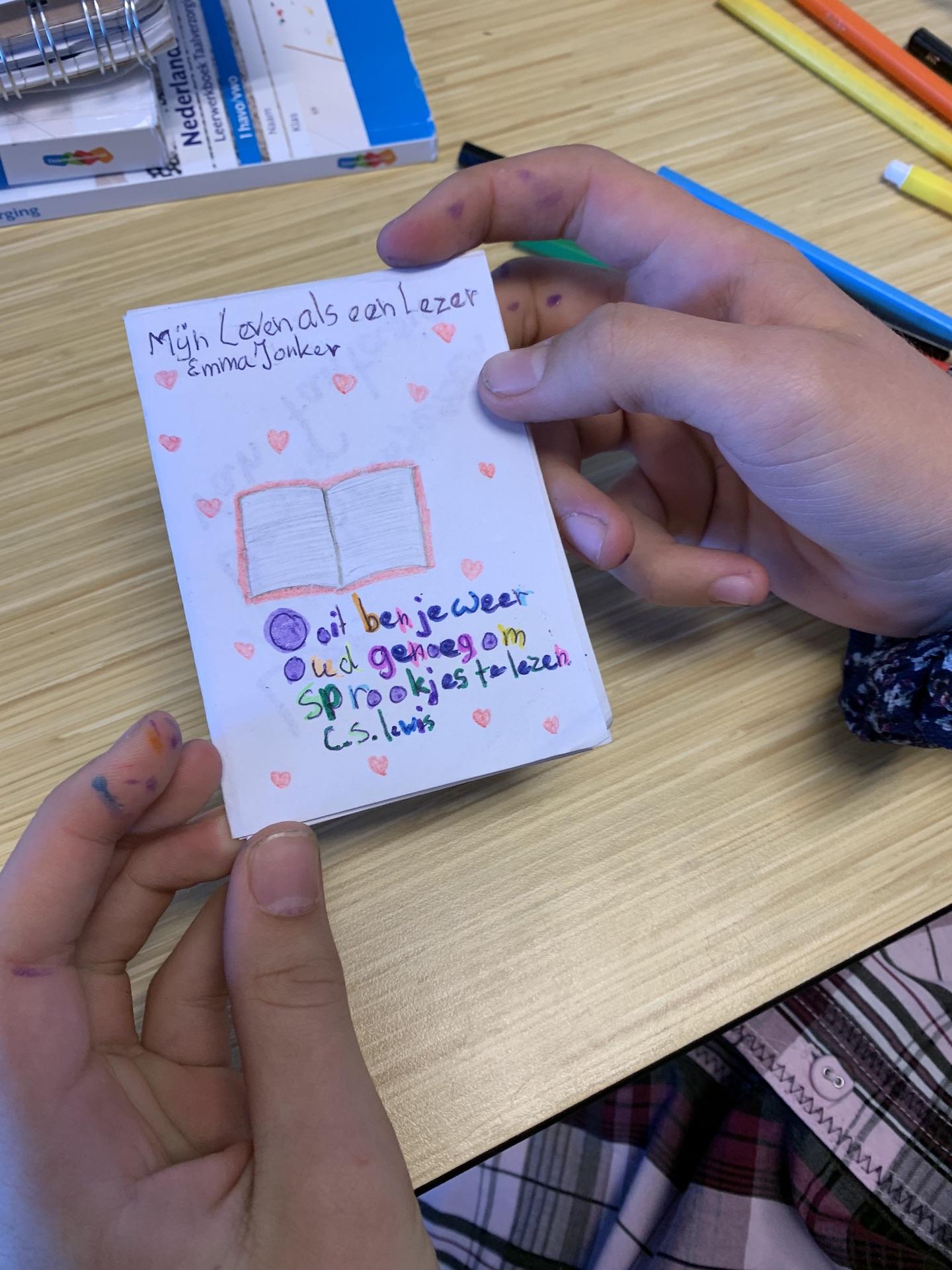Leerlingen brugklas maken leesautobiografie